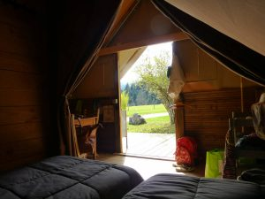Tente alpine interieur en chartreuse